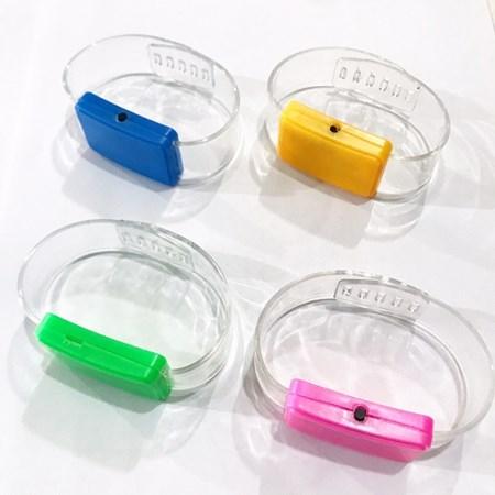 4 Pulseiras De Led Pisca Coloridas Cores Variadas
