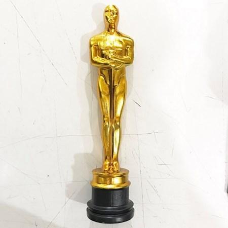 Estatueta Oscar Dourada